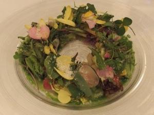 野菜・花・野草のサラダ