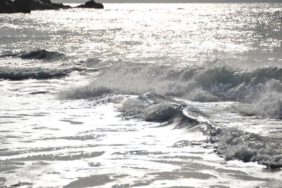 光る海-3