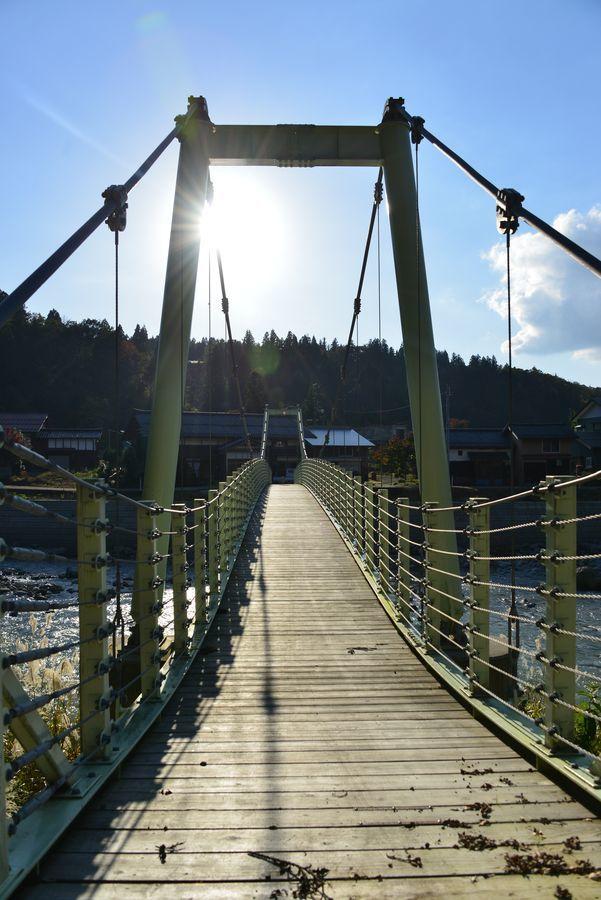 吊り橋のある風景-4