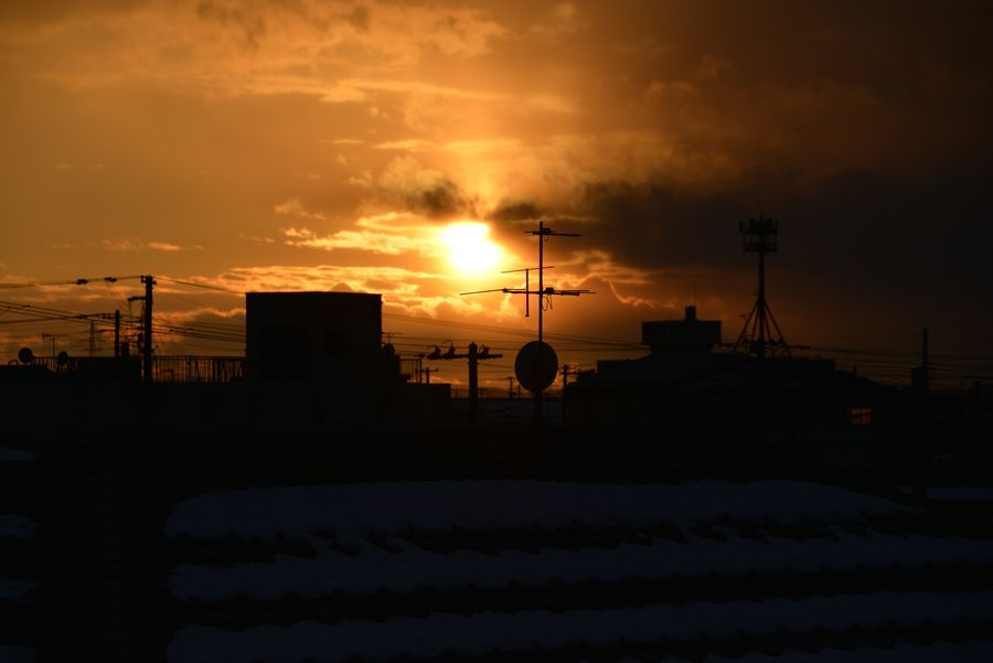 日暮れ 雪山-1