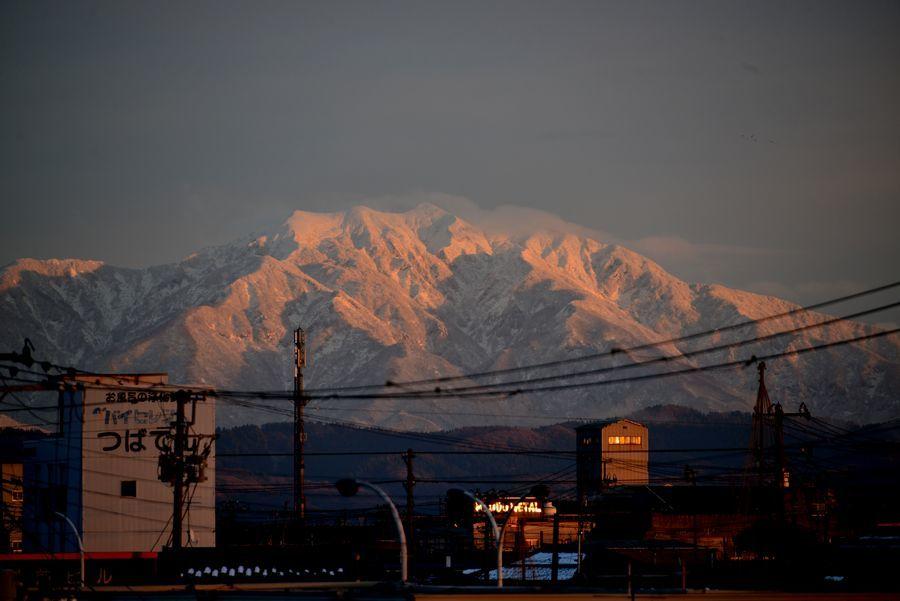 日暮れ 雪山-4