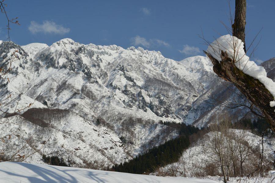 八海山を望む-3