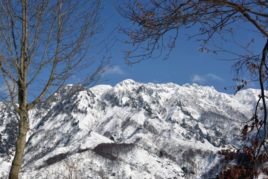 八海山を望む-4