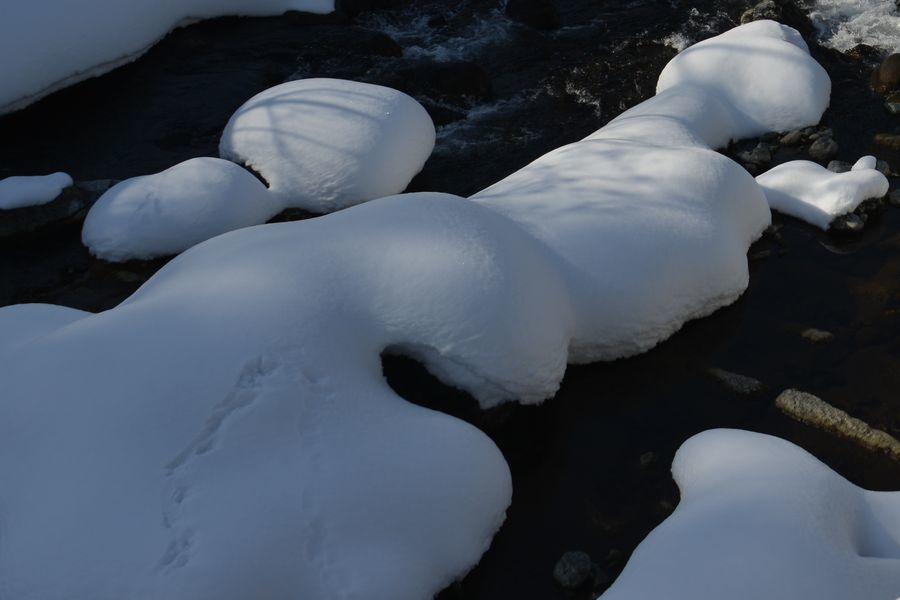 雪帽子と水-3