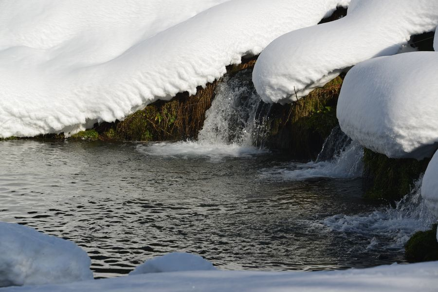 雪帽子と水-5