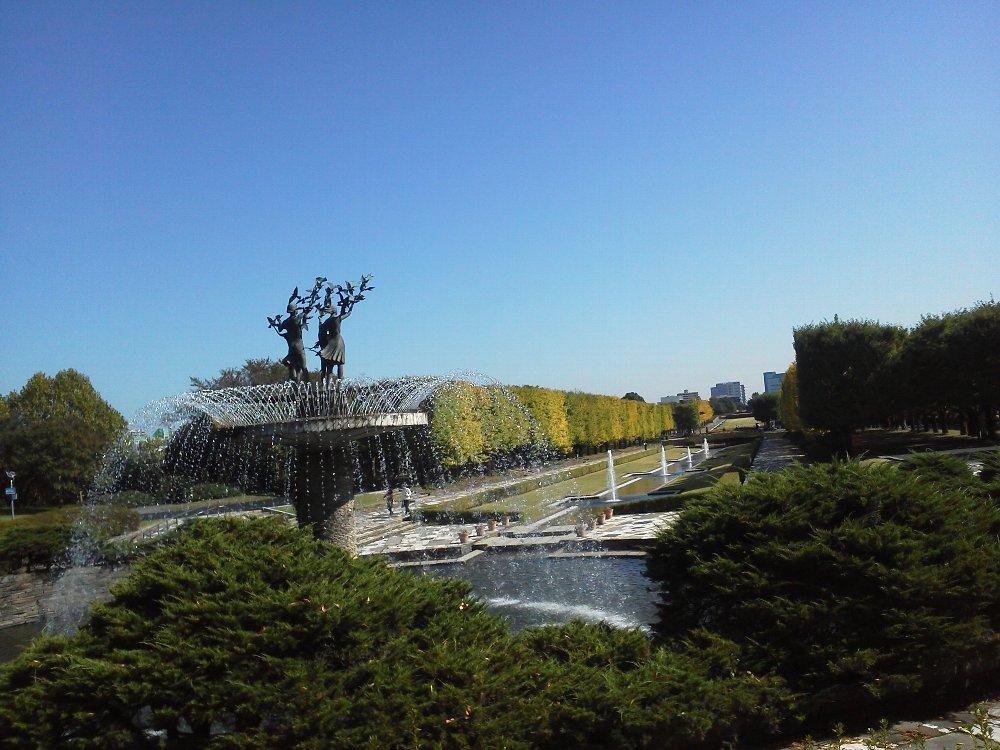 F1000058昭和記念公園10月26日噴水カナール