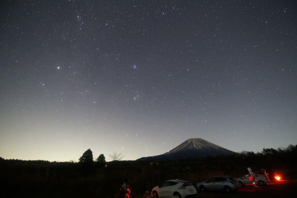 20171115b_富士から昇るオリオン