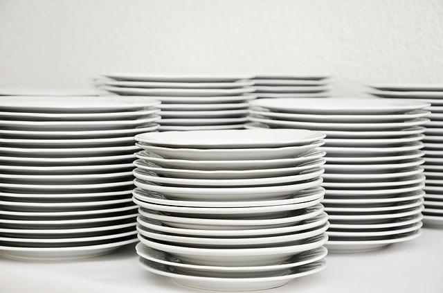 食器 白いお皿 イメージ