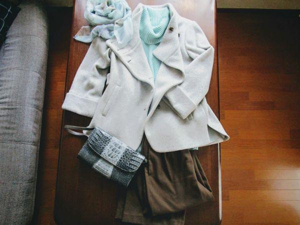 自由区セーター ユニクロワイドパンツ スマートピンクコート3