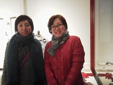 17112 美果さん唐さん展示会 美果さんと記念写真