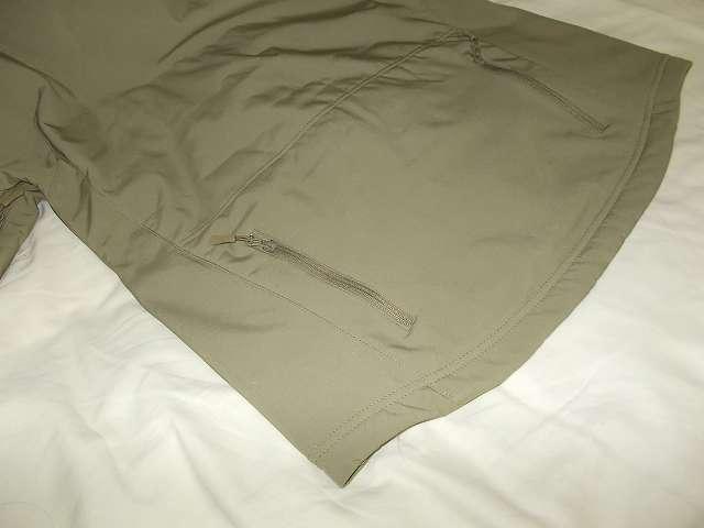 AIKOSHA ソフトシェル タクティカルジャケット M サイズ カーキ、ジッパー付きバックポケット