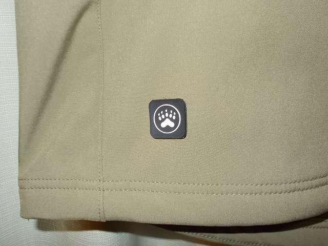 AIKOSHA ソフトシェル タクティカルジャケット M サイズ カーキ、パッチあり