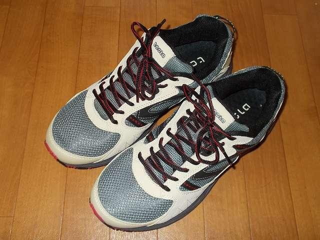 テスラ TESLA All-Terrain gear シリーズ トレイル ランニングシューズ T330 CMR(クリーム/レッド) 26.5cm 靴ひもを結んだ状態(イアン結び Ian's Shoelace Knot with Starting Knot)