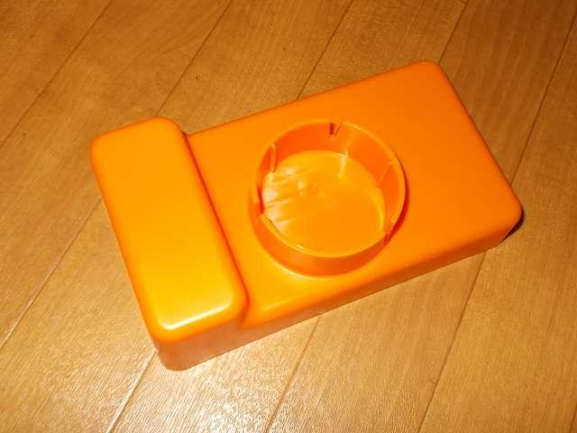 給油お助けトレイ オレンジ 購入 灯油ポリタンクキャップ取り付け穴