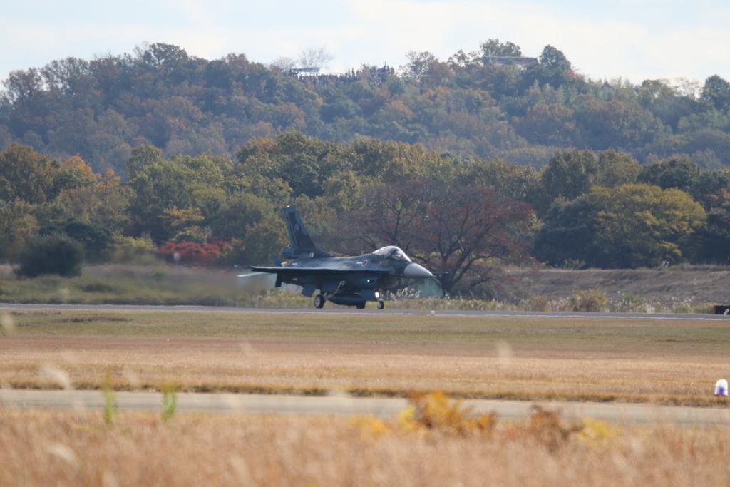 F-2A/Bの着陸_2