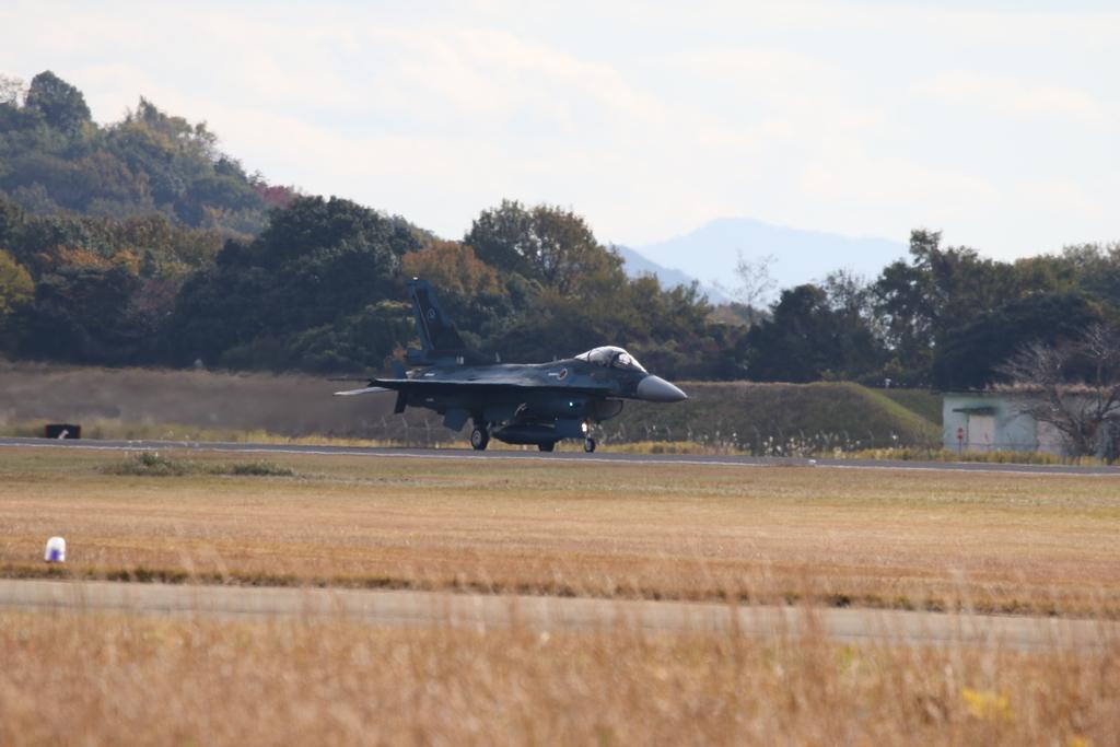 F-2A/Bの着陸_3