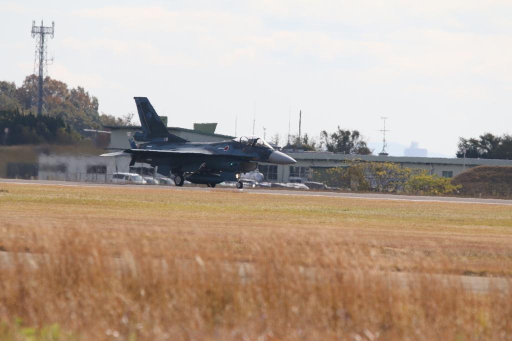 F-2A/Bの着陸_4