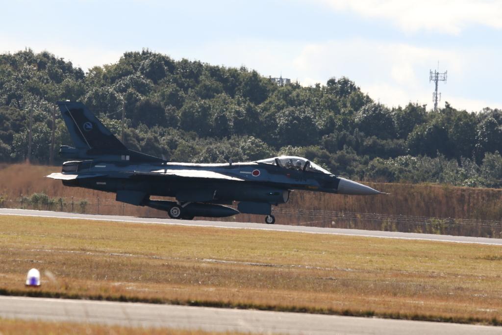 F-2A/Bの着陸_6