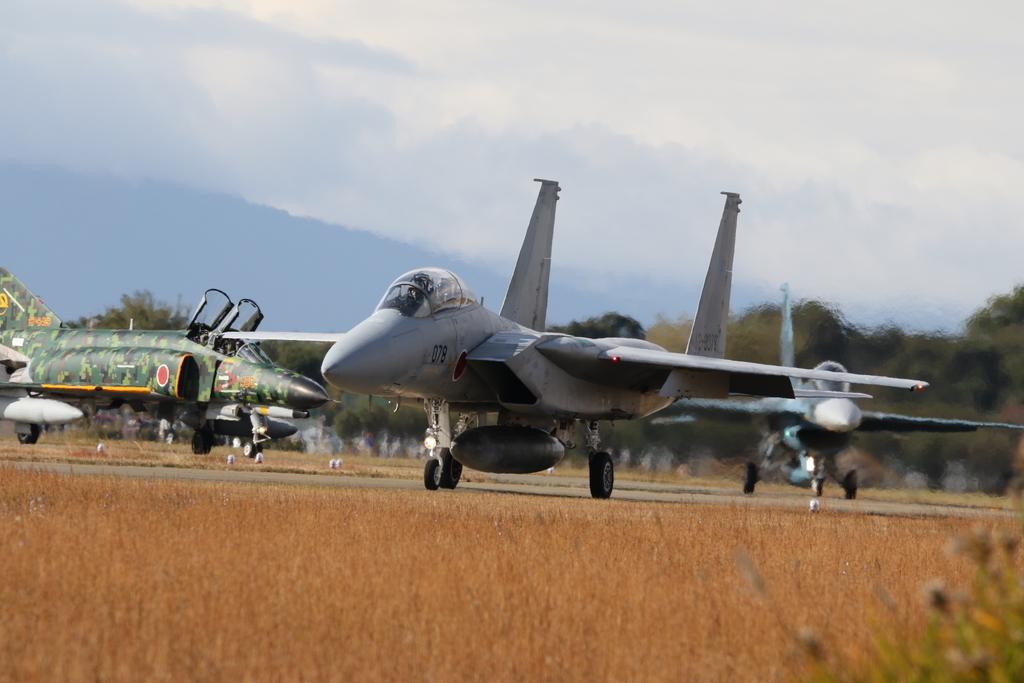 F-15J/DJとF-2A/BとF-4EJ(改)と3ショット_1