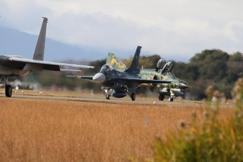 F-15J/DJとF-2A/BとF-4EJ(改)と3ショット_3
