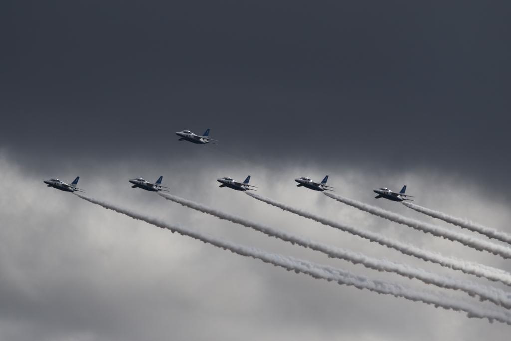 ブルーインパルスのアクロバット飛行(3)_28