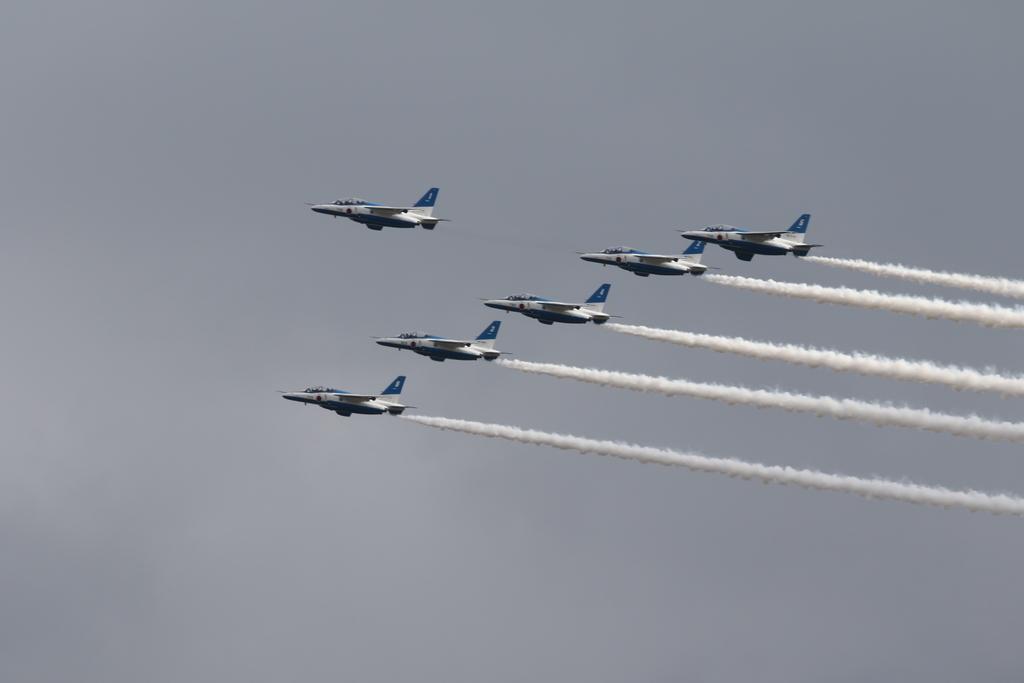 ブルーインパルスのアクロバット飛行(3)_33