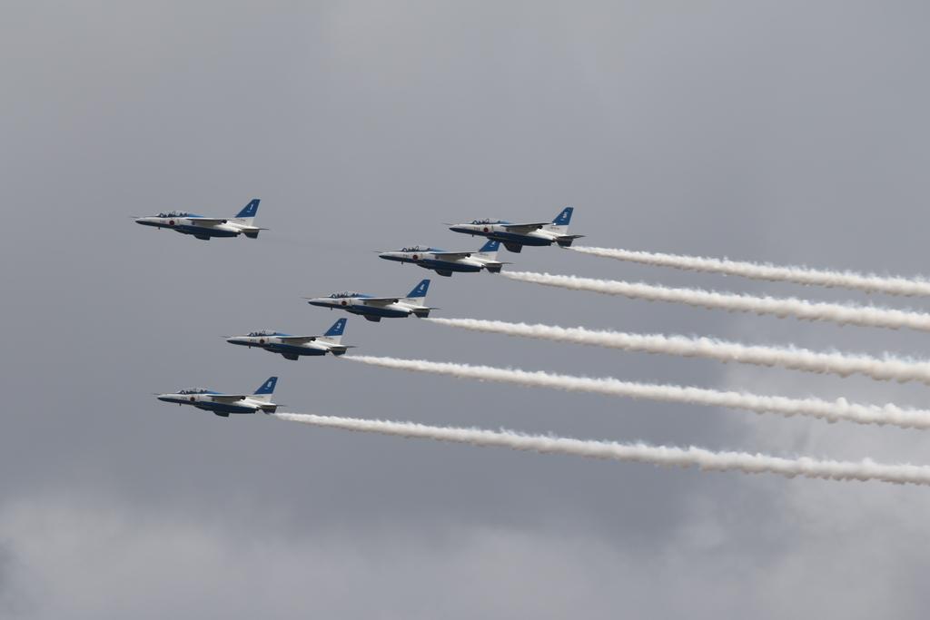 ブルーインパルスのアクロバット飛行(3)_34