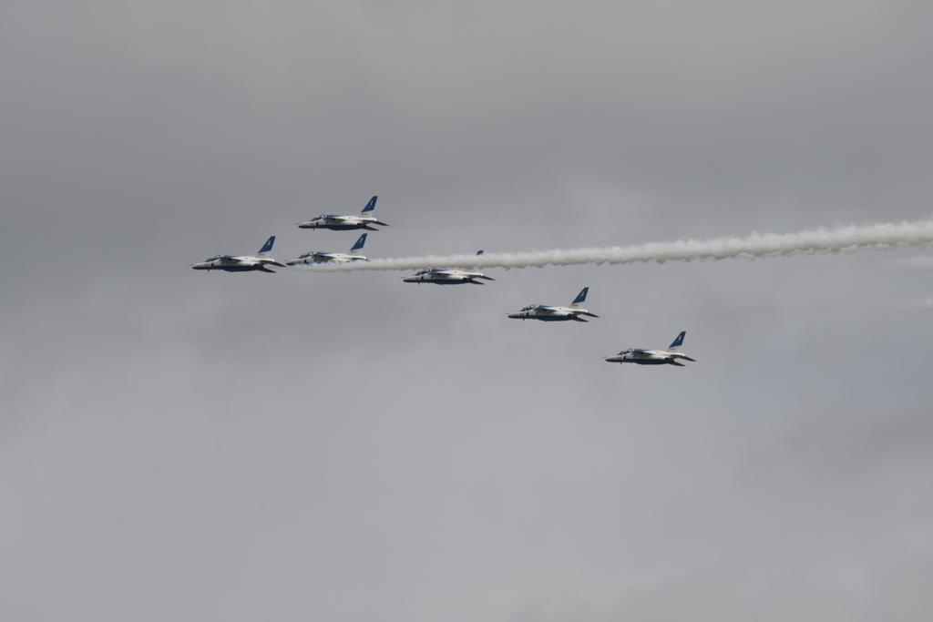 ブルーインパルスのアクロバット飛行(3)_36