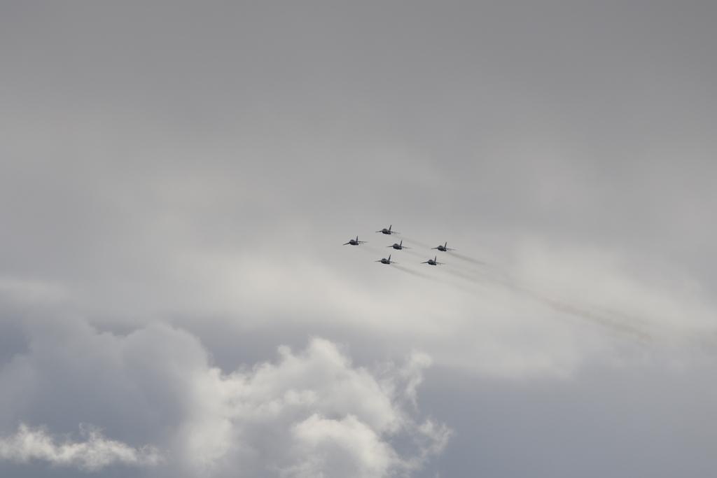 ブルーインパルスのアクロバット飛行(3)_40