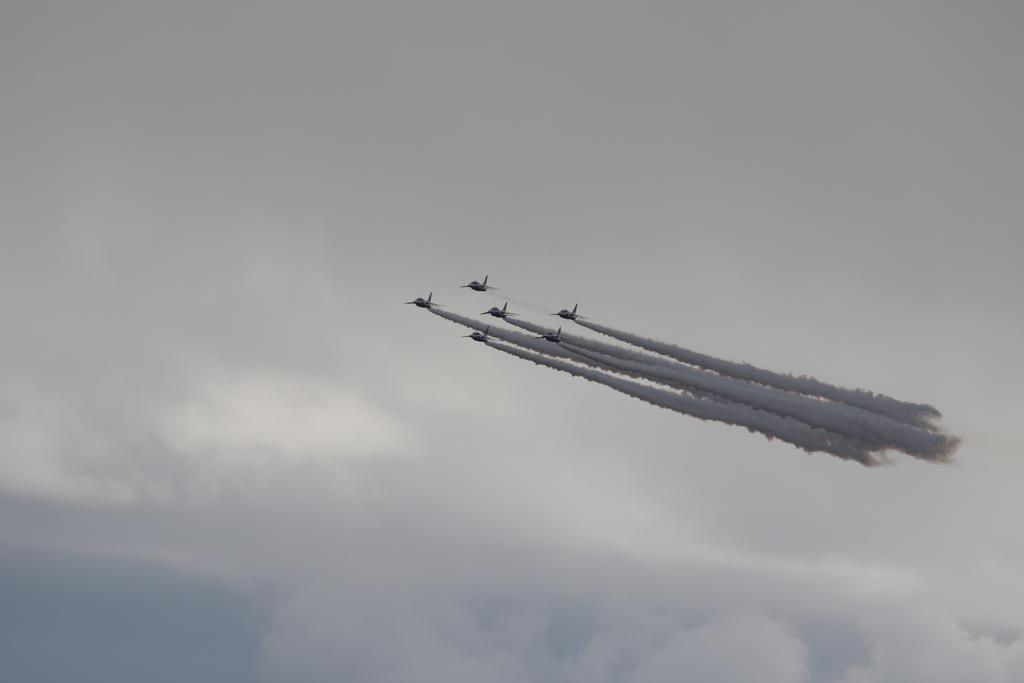 ブルーインパルスのアクロバット飛行(3)_43