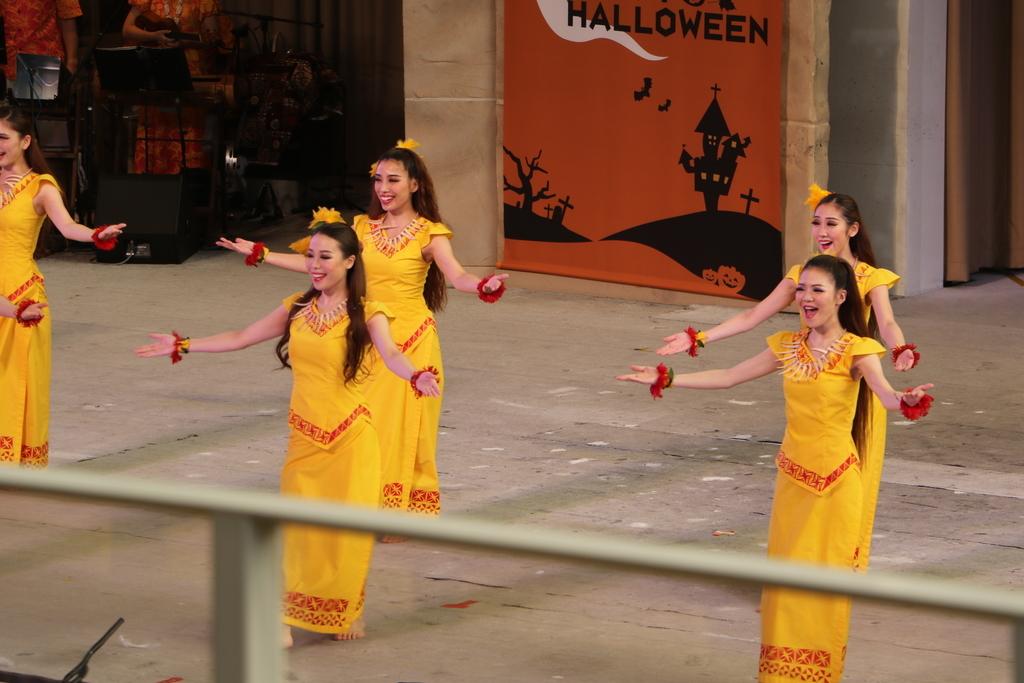 サモアの女性の踊り_1