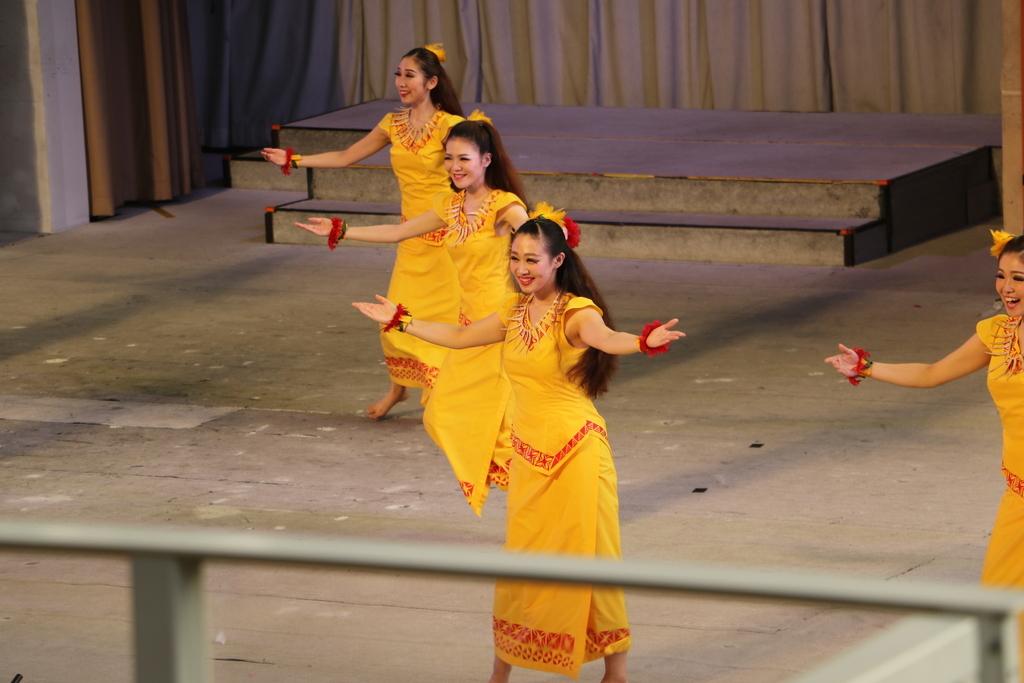 サモアの女性の踊り_2
