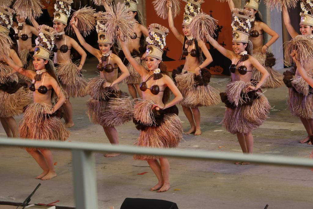 タヒチの踊り(1)_7