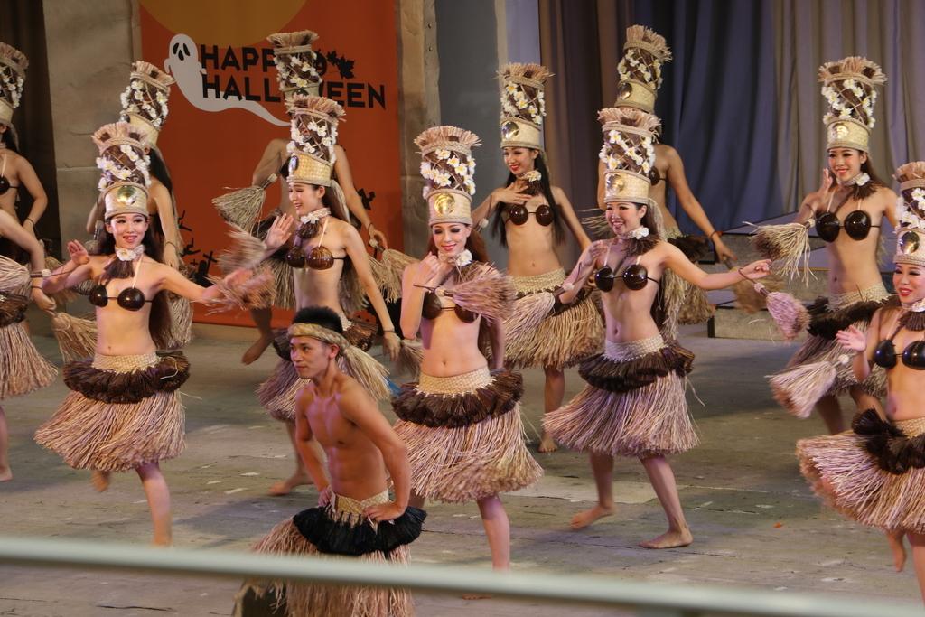 タヒチの踊り(1)_9