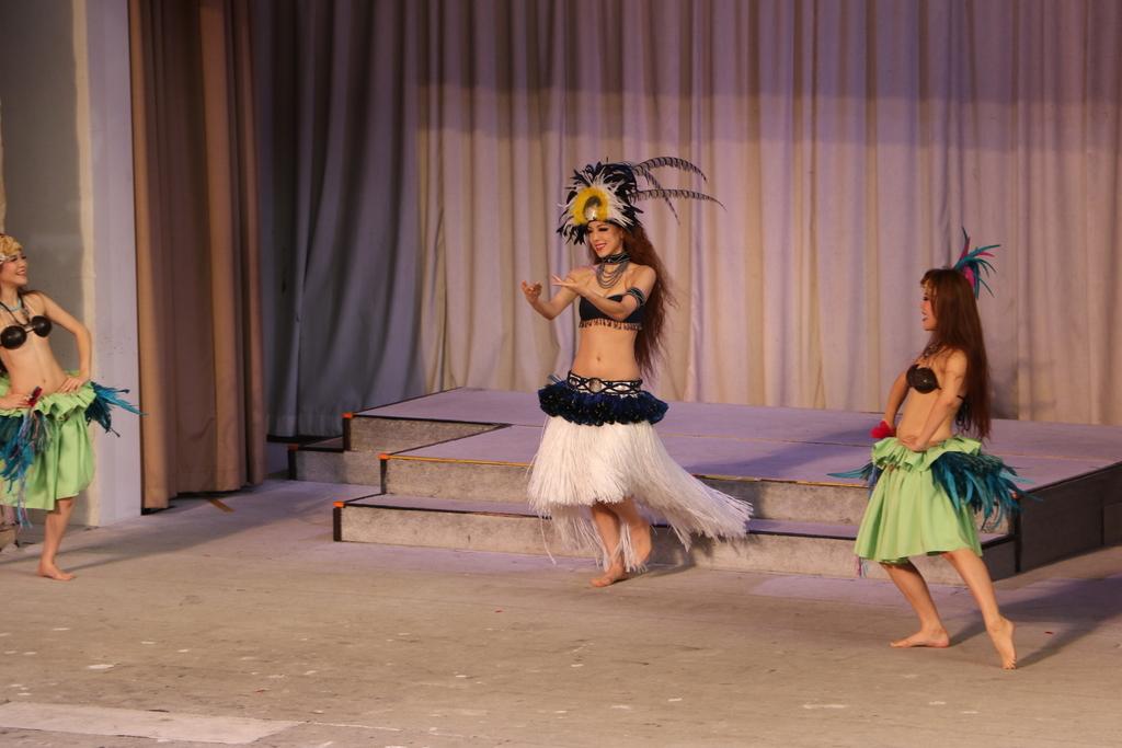 タヒチの踊り(1)_15