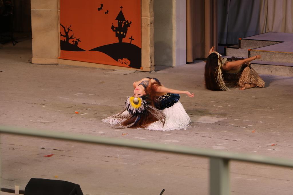 タヒチの踊り(2)_10