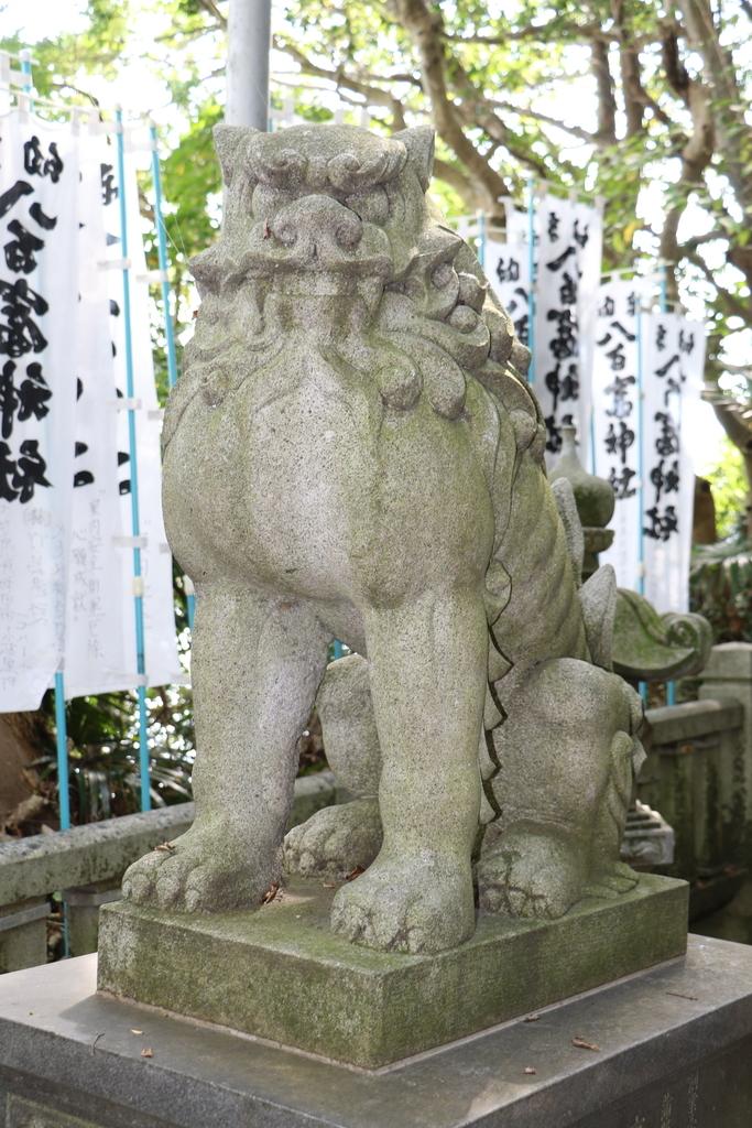 神社に通じる階段_10