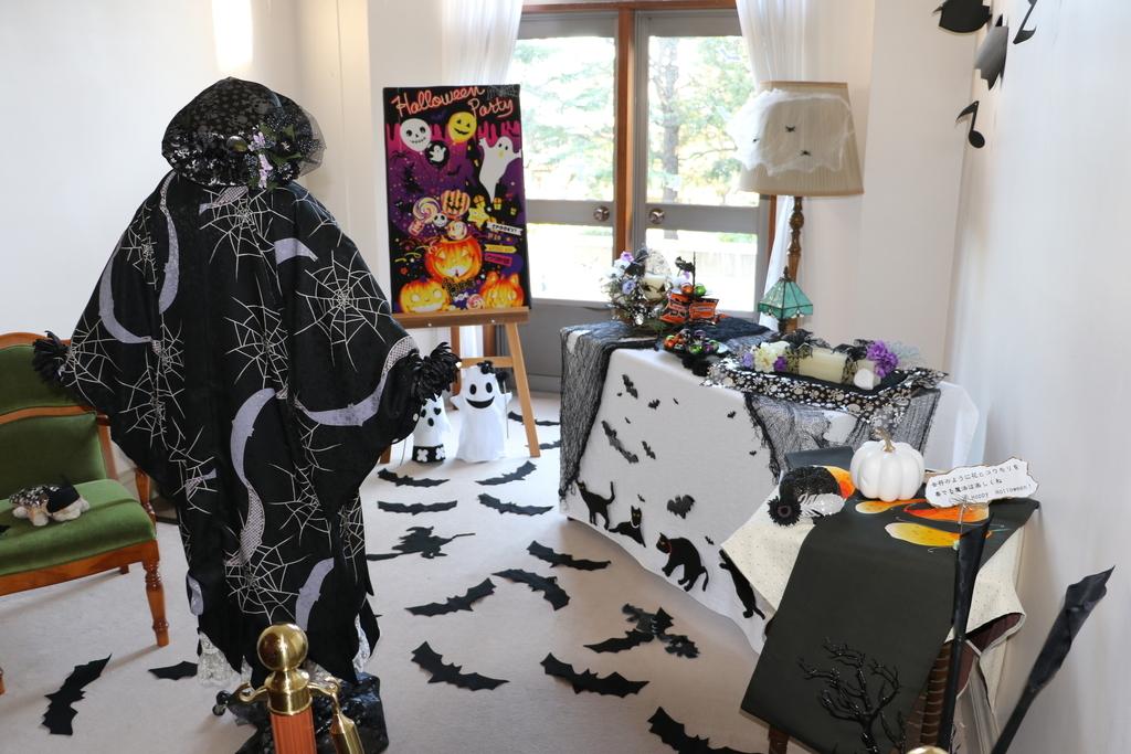 領事居室の飾りつけ_2
