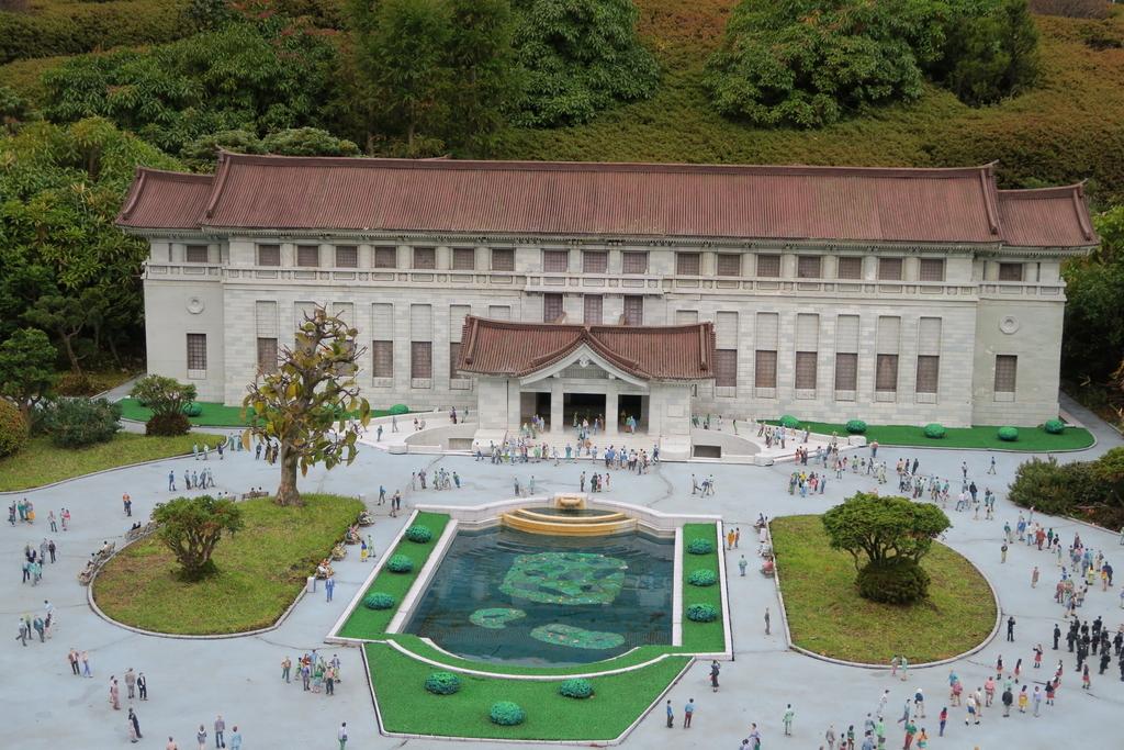 東京国立博物館・本館と表慶館_2