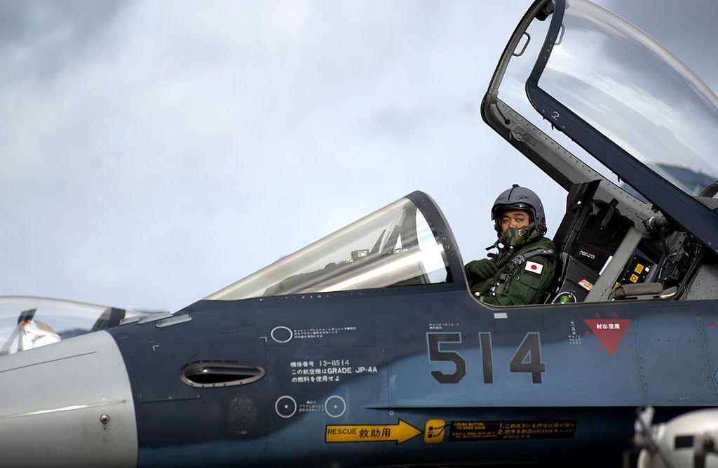 アンダーセン空軍基地で発進を待つ第3飛行隊所属のF-2A