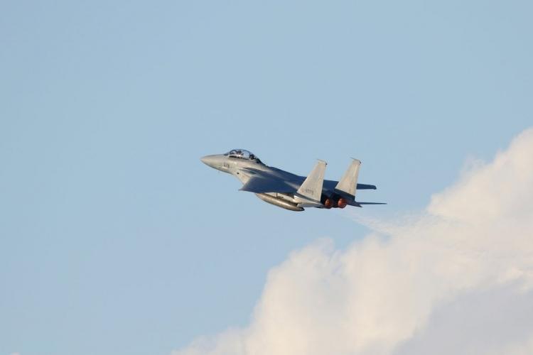 02飛行機EA4A5806s
