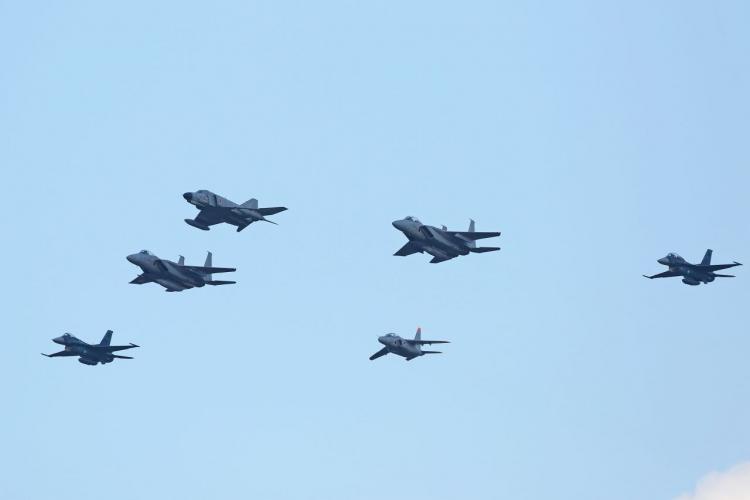 05飛行機EA4A6371s