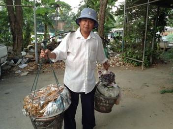 Thai hawker (5)