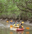 アイランドサービスの自然ガイドツアー、『ばるばる村』は、シーカヤックなどのベース基地です。