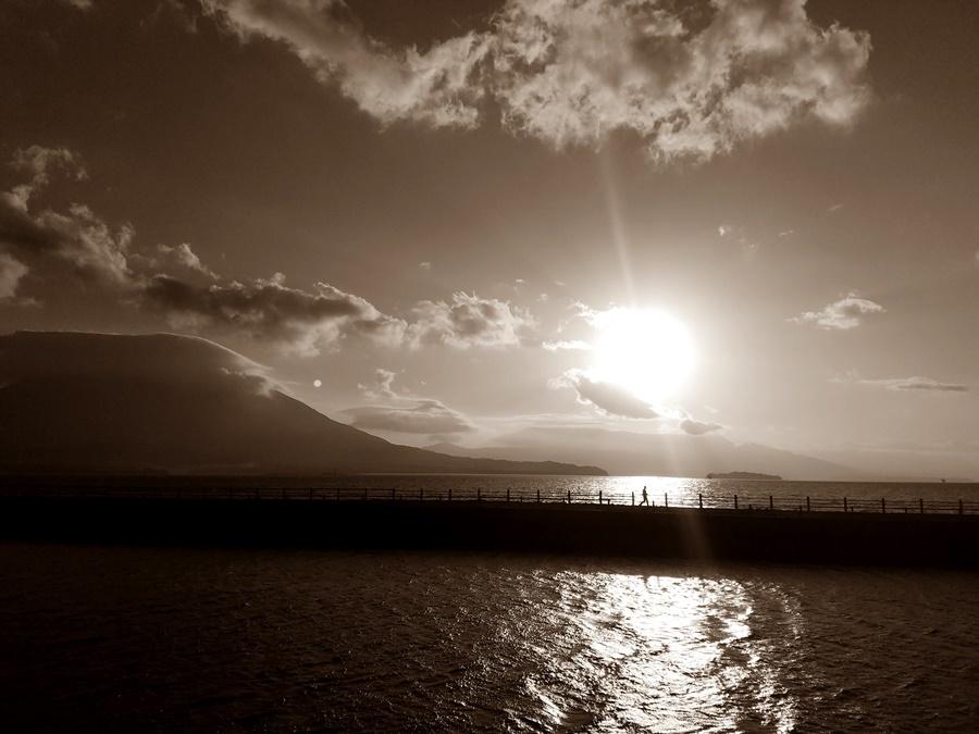 朝の桜島台風前2