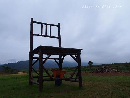 大きな椅子2