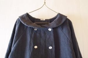 丸い襟のコート襟