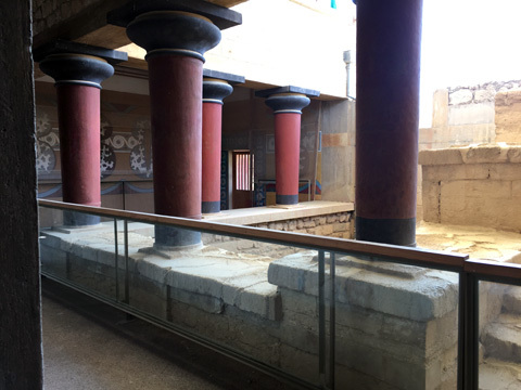 クノッソス16東の大階段