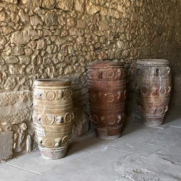 クノッソス17突起のある壺の倉庫