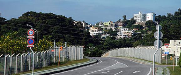 フェンス  道路